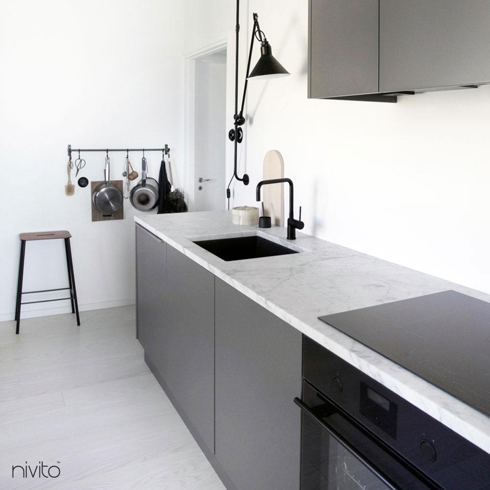 Svart Kran - Nivito 5-RH-320