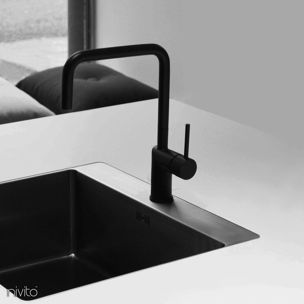 Svart Vattenkran - Nivito 6-RH-320