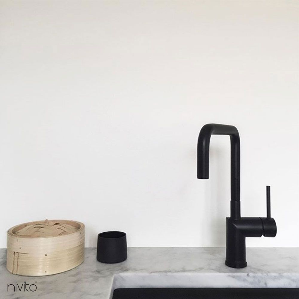 Vatten kran svart